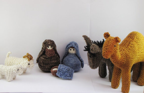 Knitting Patterns For Nativity Figures : The Spicy Knitter: Maybe Monday: Knitting the Nativity