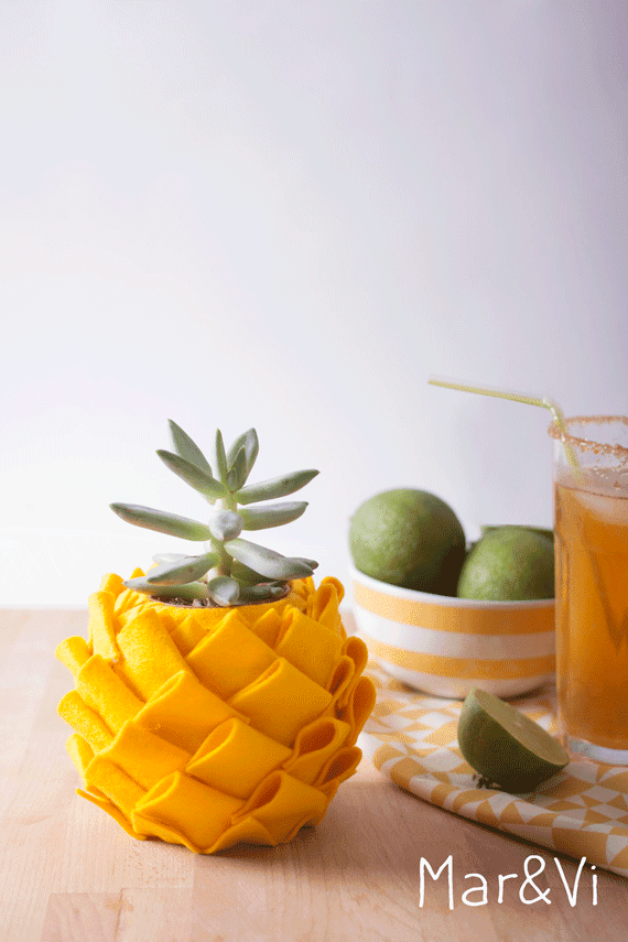Portavasi fai da te a forma di ananas, tutorial in italiano