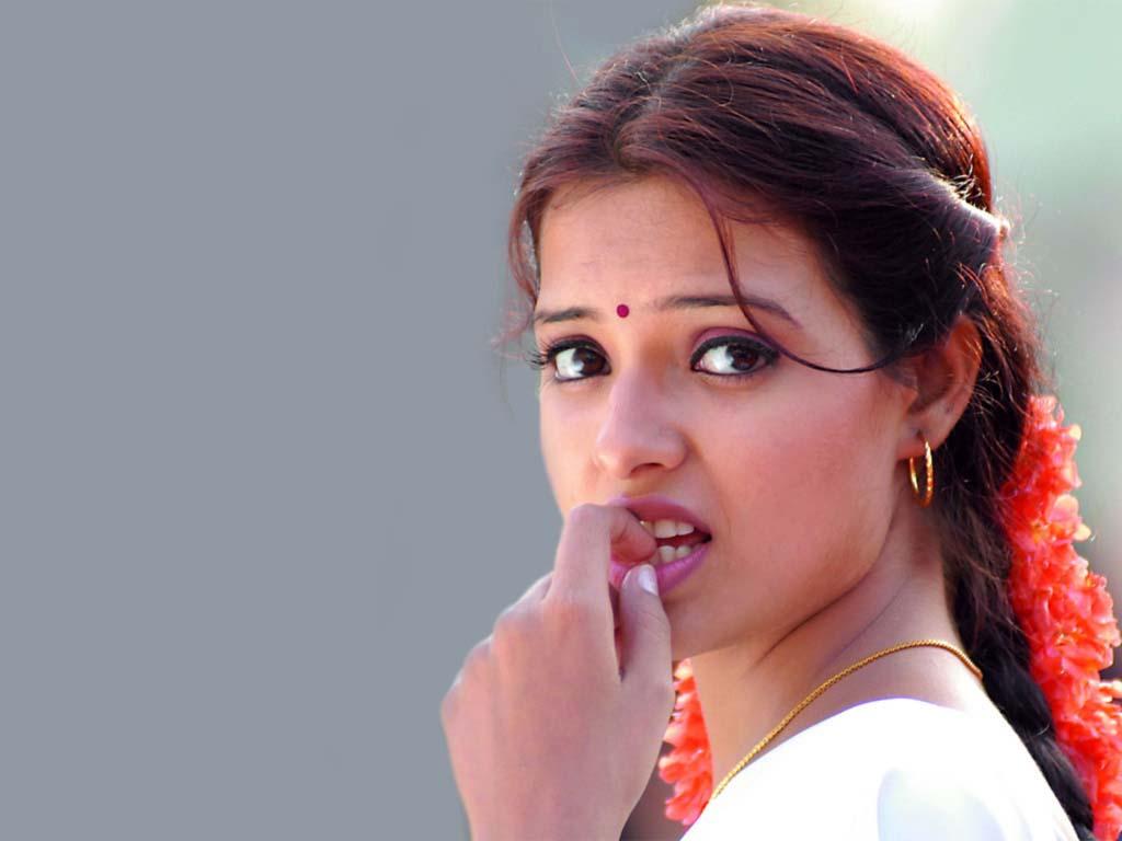 http://1.bp.blogspot.com/-ifJorA_rPYs/TqEzjMEqtBI/AAAAAAAADLA/9X6S7tqlgr4/s1600/Saloni+Aswani+%25285%2529.jpg