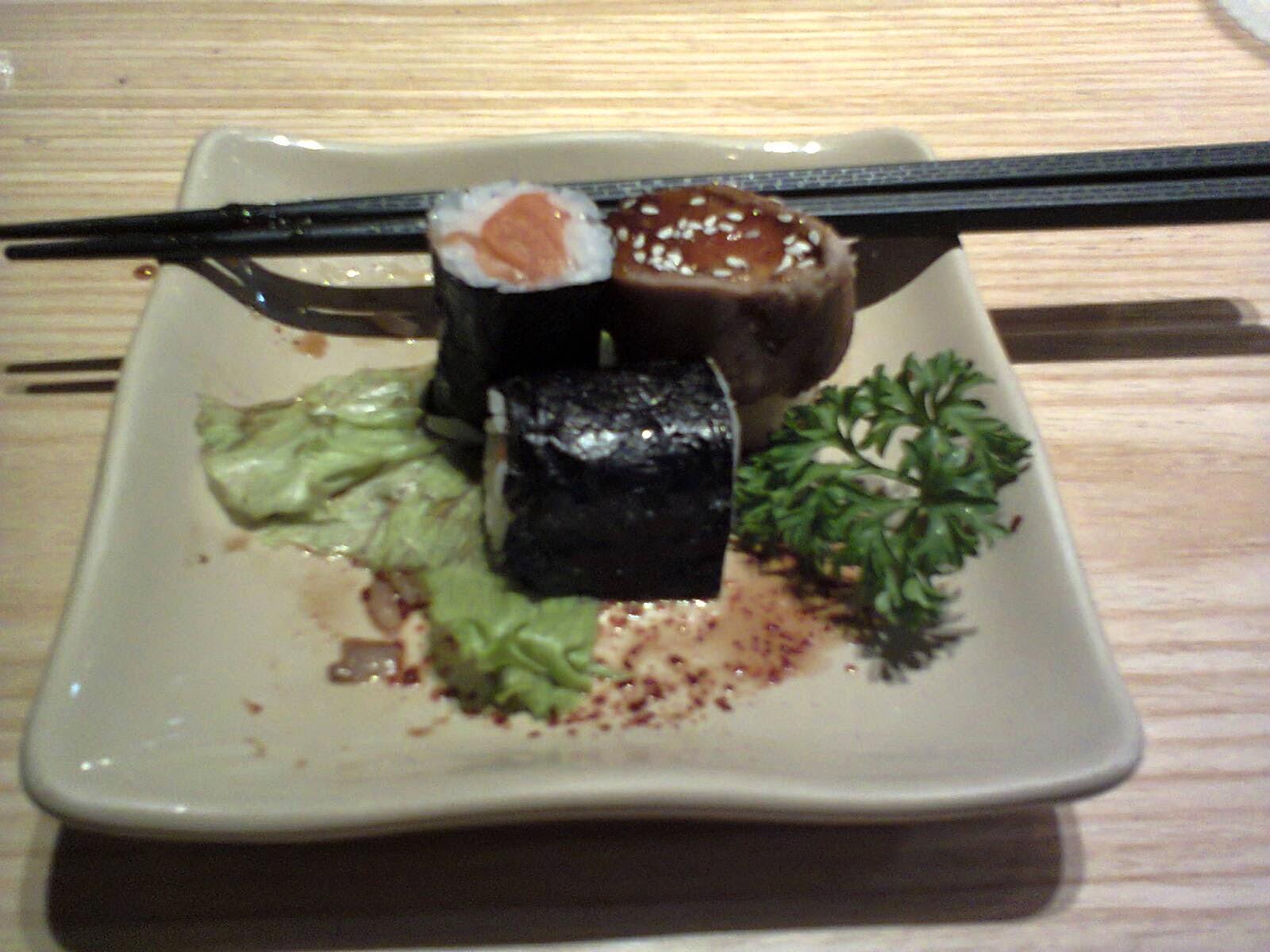 Benecka Ocha Gratis Dan Sushi Enak Di Sushi Tei