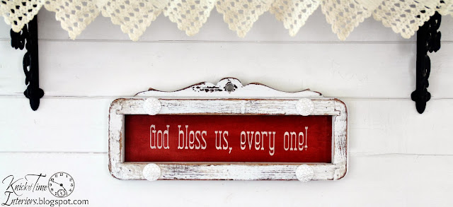 Repurposed Sewing Machine Salvaged Frame into Christmas Sign via Knick of Time