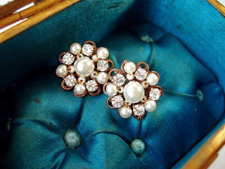 Vintage style jewelry jewellery earrings post stud studs mdmButiik Estonia designer
