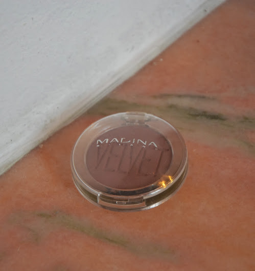 Review: Madina Velvet Eyeshadow In the Flesh