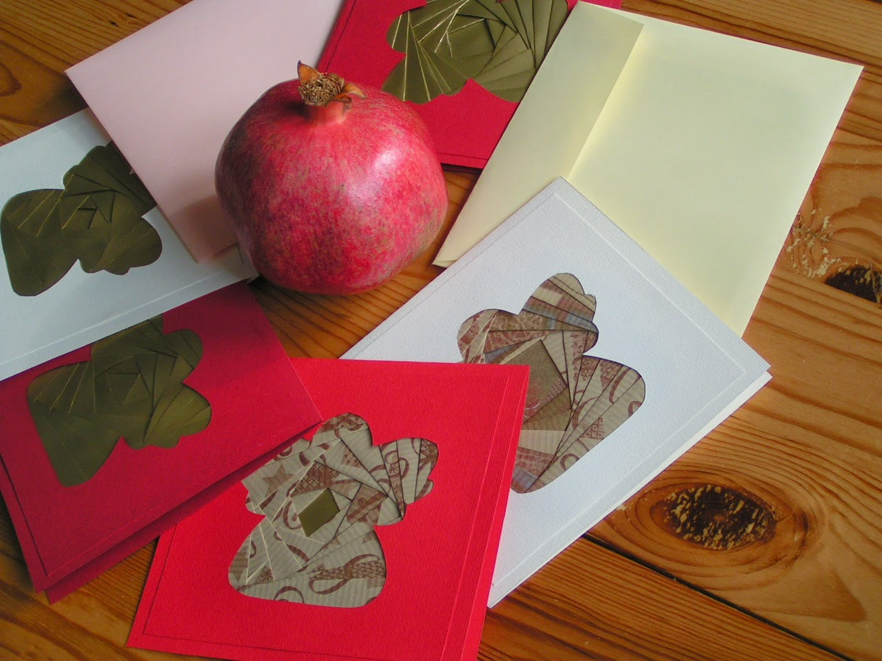 Iris paper folding Chtistmas cards