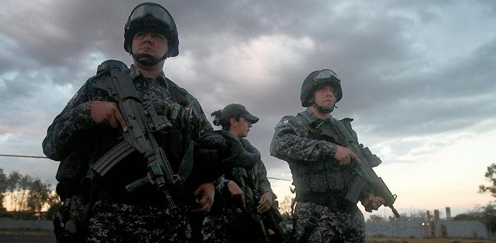 Michoacan Bajo Fuego.  Fotogaleria.  Las Victimas de Paracuaro Armadas05