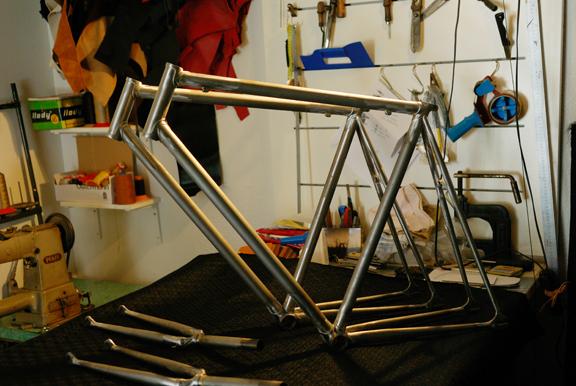 Cuadros de acero a medida dale pedales for Cuadros a medida