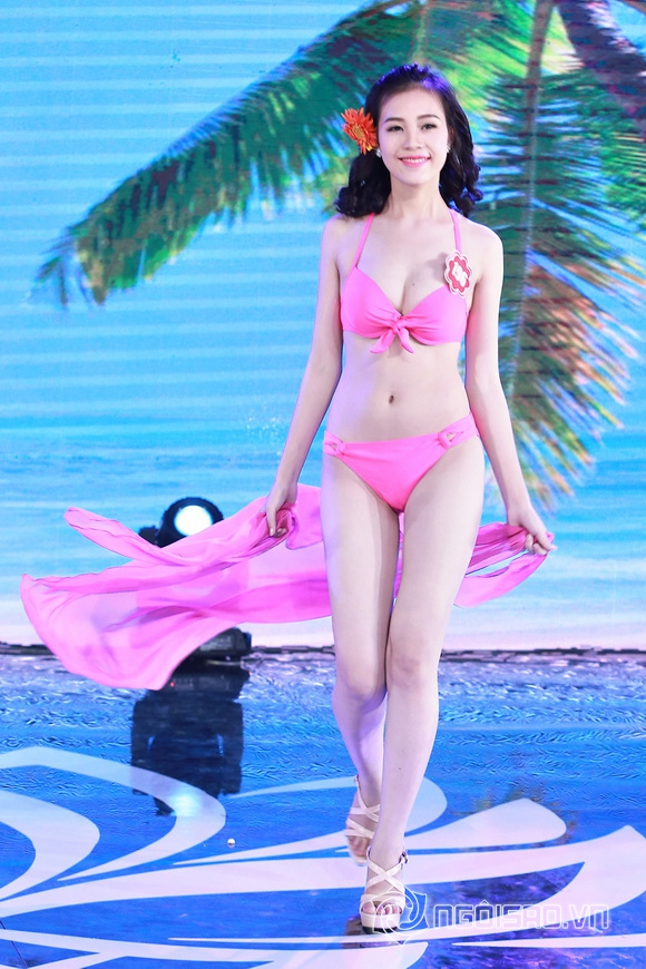 Ảnh gái xinh Hoa hậu miền bắc 2014 với bikini 14