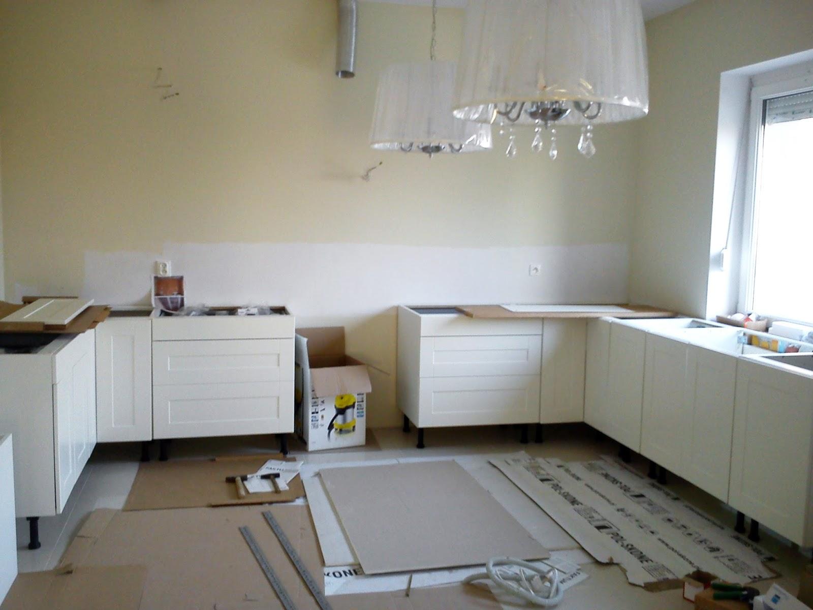 Home We Love Kuchnia IKEA – Składamy meble i montujemy blaty kamienne
