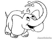 Mewarnai Gambar Gajah Mandi
