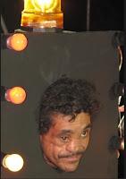 Segundo lugar do concurso de homem mais feio do Brasil, o auxiliar de serviços gerais Luiz Armando Porto, 38, foi presenteado com R$ 100 e um feixe de lenha