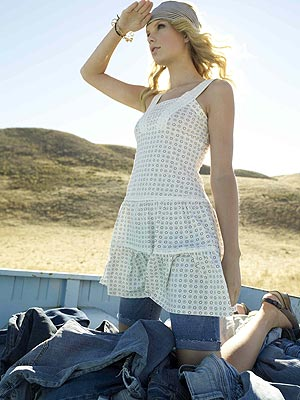 taylor swift fashion and style. Taylor Swift#39;s fashion style