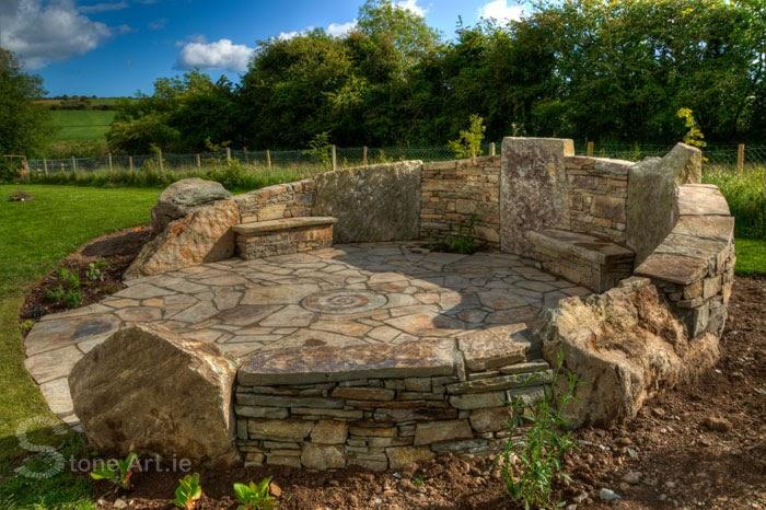Natural Stone Art : Stone art making a mosaic