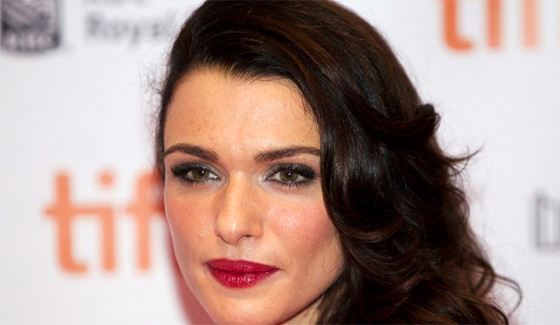 Pub L'Oréal Paris Revitalift Total Repair 10 censurée Angleterre, Rachel Weisz