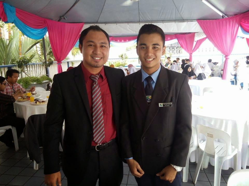 Cikgu Hailmi dan Azhan, pelajar SMK Bandar Tasik Puteri, Selangor