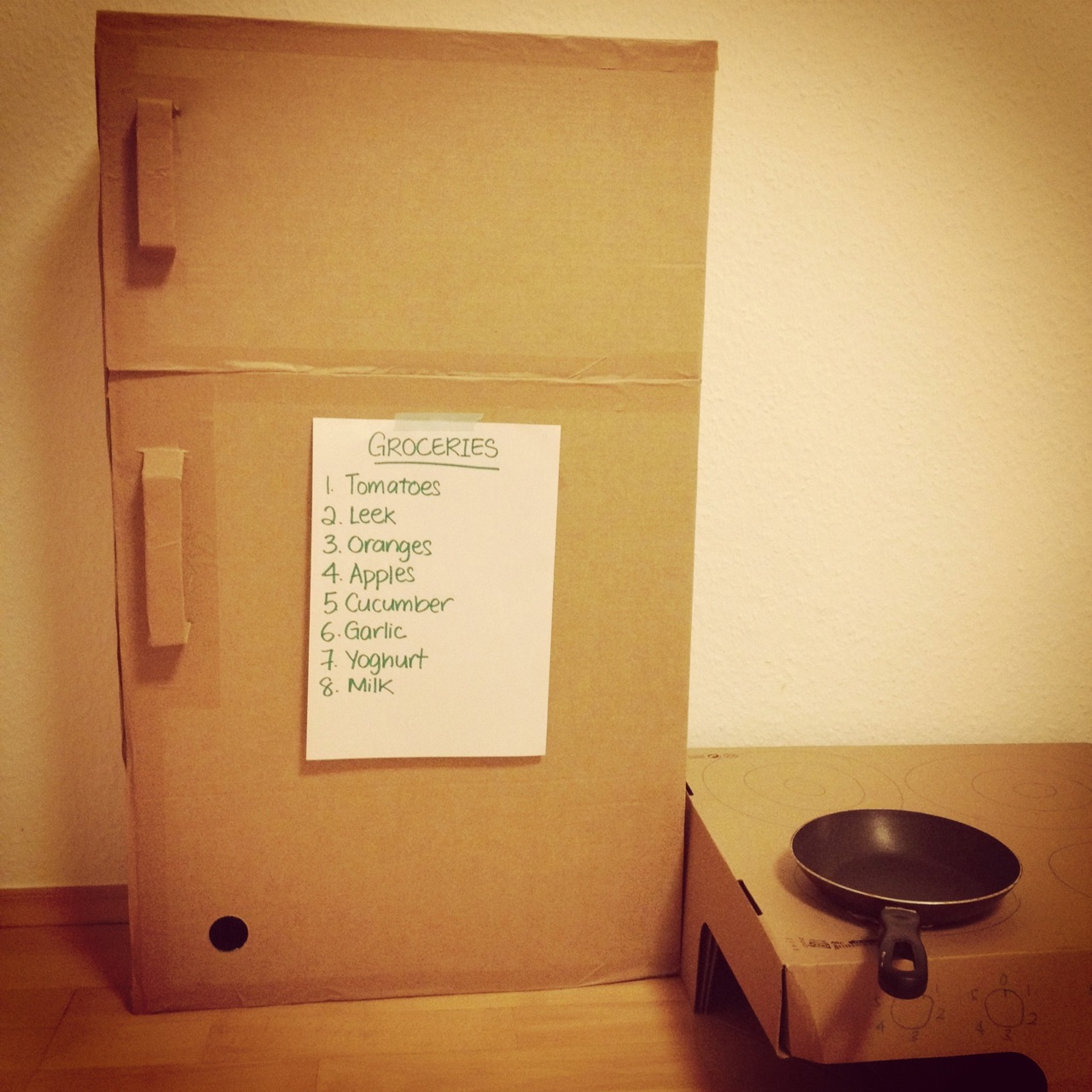 Mum in the making: Monday Made: The cardboard fridge