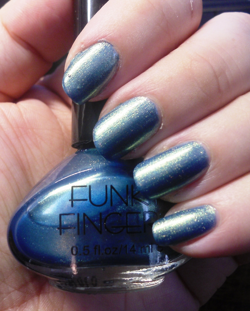 Clever Soiree: Funky Fingers - Mood Ring Nail Polish
