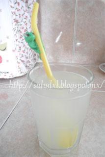 jugo-de-limon-en-ayunas-salud-xl