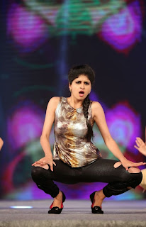 Actress Naveena Dance Performance at Gama Awards Pictures Stills Gallery 14