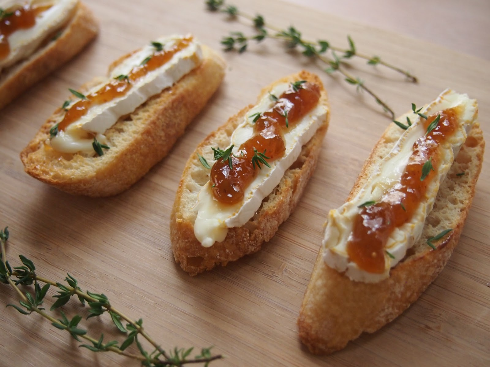 Cooking with Kale: Fig & Brie Crostini
