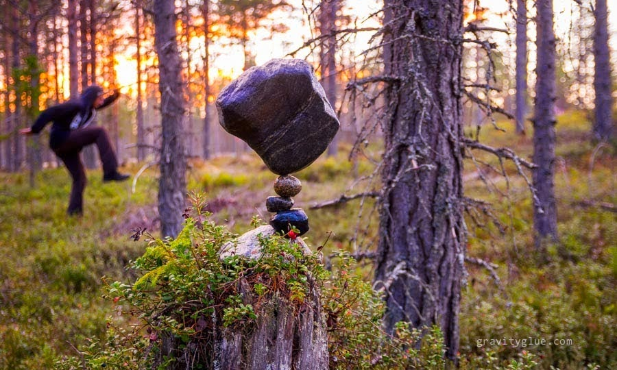 The Secret Behind How This Guy Balances Rocks Is Very Unusual. Can You Guess It?