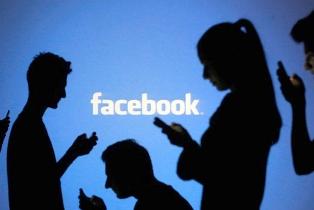 Hukum Pamer Ibadah di Media Sosial