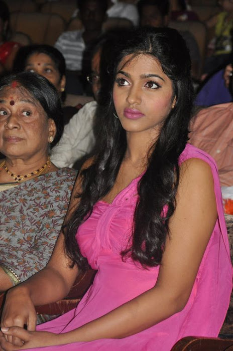 dhansika at benze vaction awards