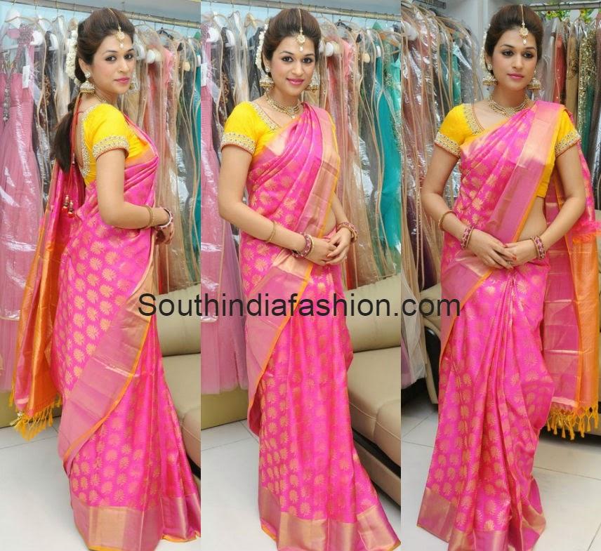 shradda das at trisha dussehra collections launch