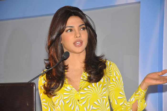 priyanka chopra launches samsung electronics hot images