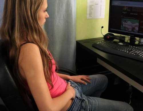 female masturbatig porn video