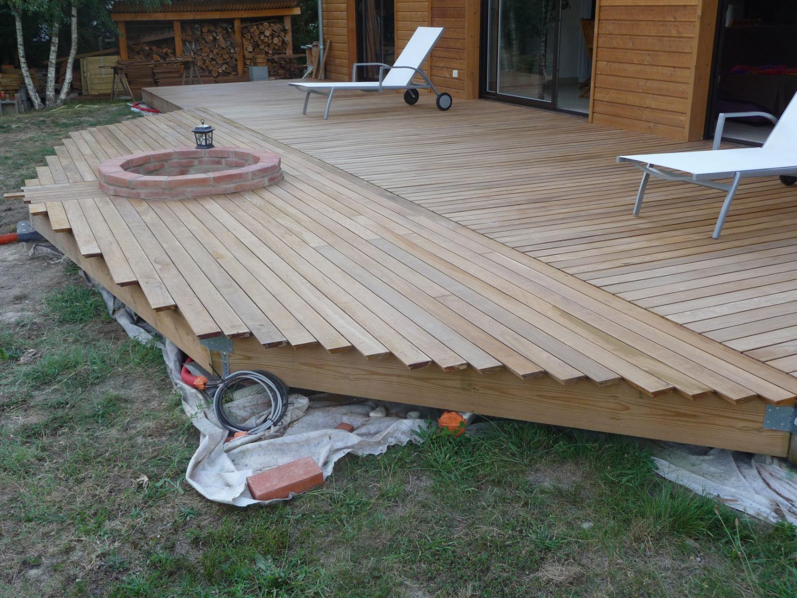 Pose Des Lames 2 Me Pisode Construire Sa Terrasse En Bois Sur Plots En B Ton