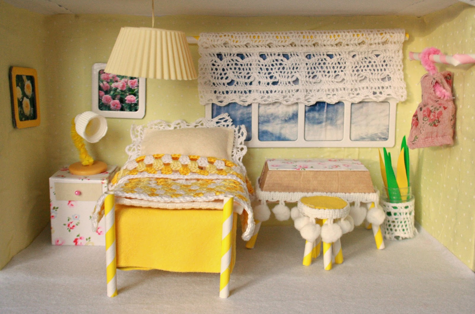 tales from a happy house a shoebox bedroom for a little mouse. Black Bedroom Furniture Sets. Home Design Ideas