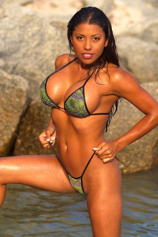 Claudia Verela Nude 20