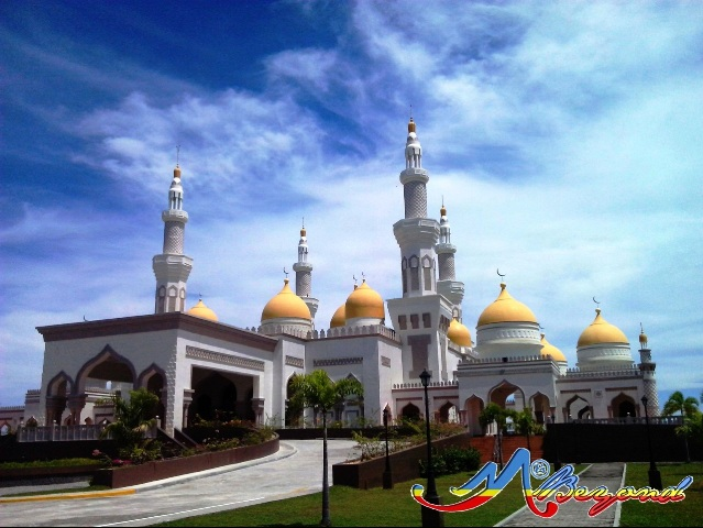 The Golden Mosque, Sultan Haji Hassanal Bolkiah Masjid Mosque, biggest mosque philippines, golden mosque cotabato city, mosque cotabato city, mindanao mosque