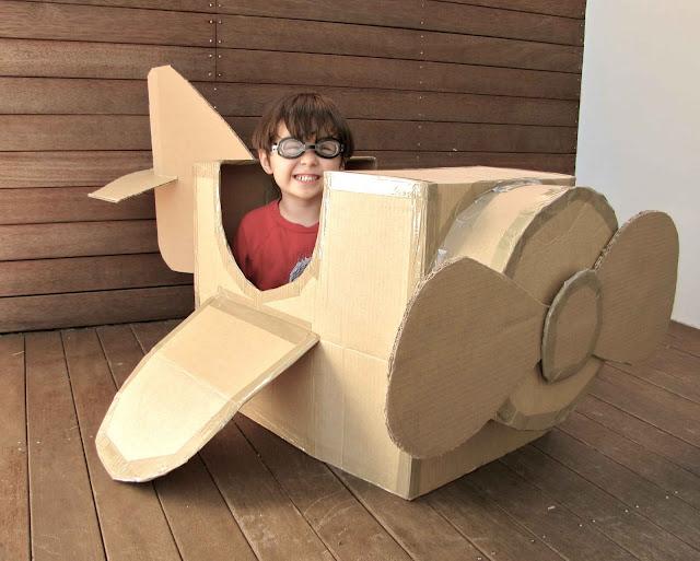 Criando Crianças: Brinquedo de sucata: avião de caixa de papelão