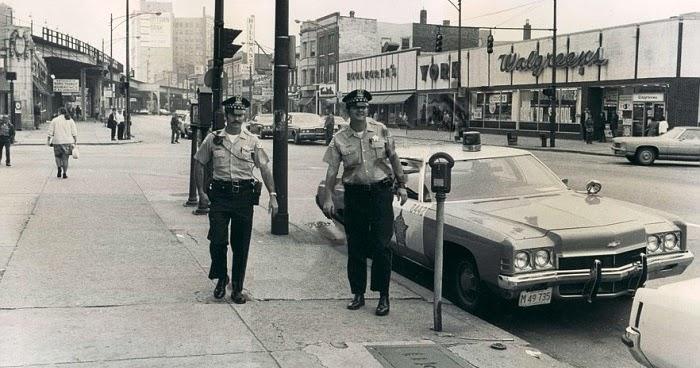 Uptown Chicago History: Broadway Near Wilson, 1972