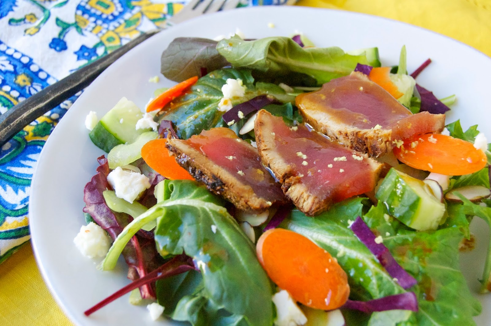 Seared Yellowfin Tuna Salad | www.kettlercuisine.com
