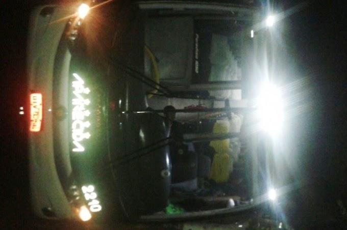 Ônibus tomba e deixa dois mortos e 18 feridos na BR-222 no MA