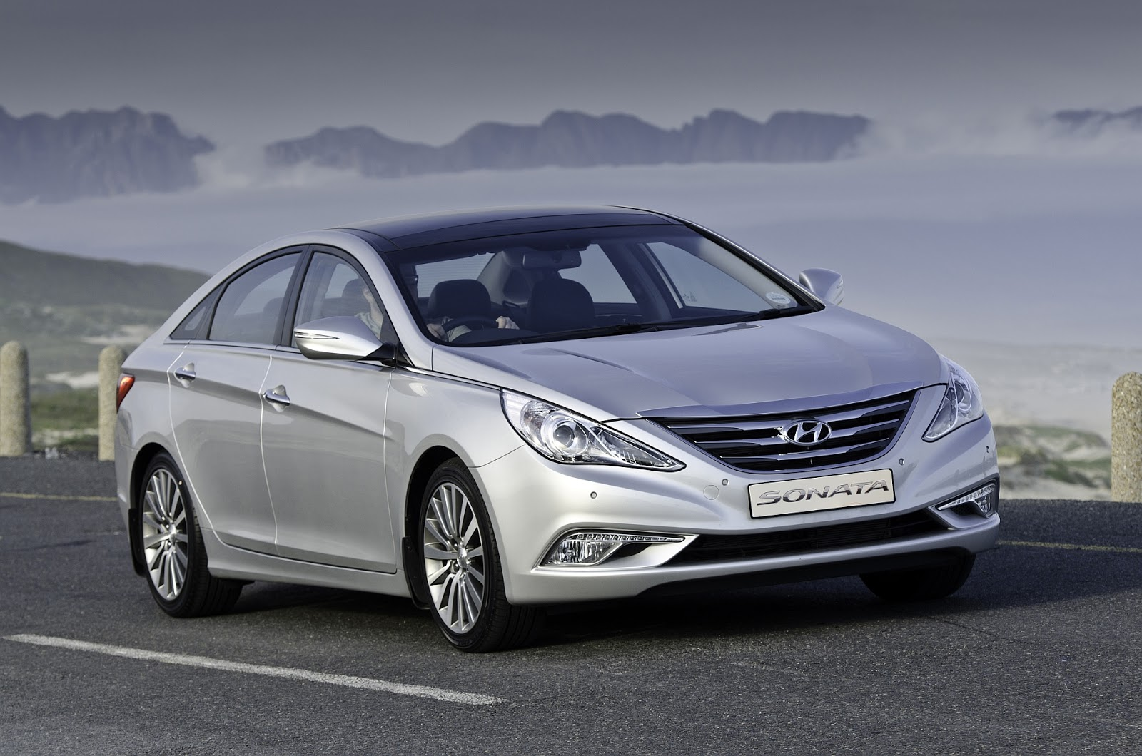 hyundai sonata updated with new engine awesome cars hyundai sonata updated with new engine. Black Bedroom Furniture Sets. Home Design Ideas