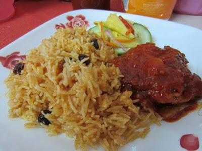 Nasi Tomato dan Ayam Masak Merah Simple