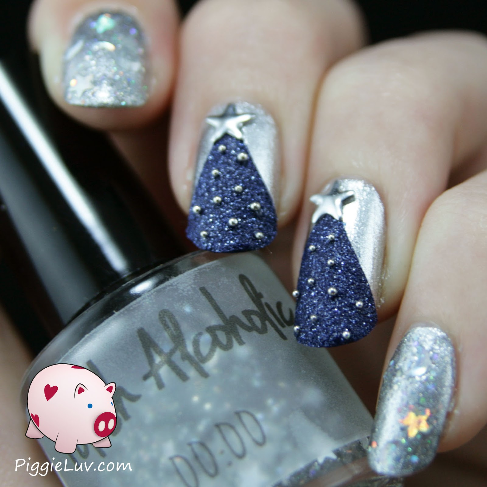 PiggieLuv: Textured Christmas tree nail art
