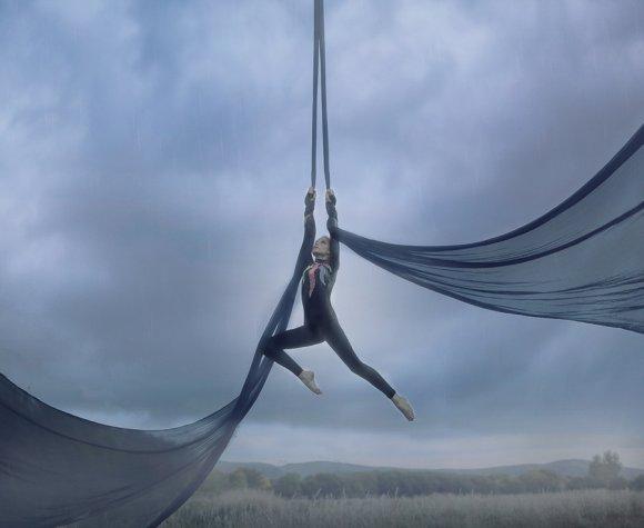 katerina plotnikova fotografia surreal mulheres natureza país das maravilhas balé aéreo