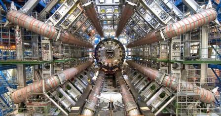 Οι επιστήμονες του CERN ετοιμάζονται για επαφή με παράλληλο σύμπαν!