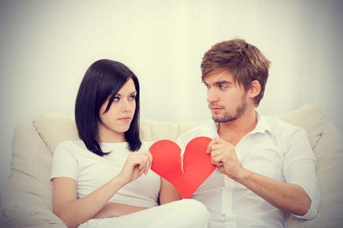 اسباب فشل الحب والعلاقات العاطفية  - قلب مكسور مجروح - فقدان وضياع الحب - broken heart hurt - lost love