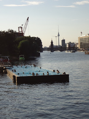 swimming pool Spree river Berlin