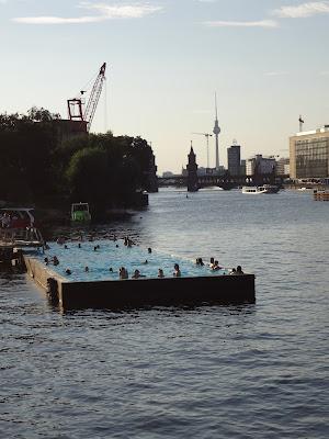 swimming pool Spree river Berlin