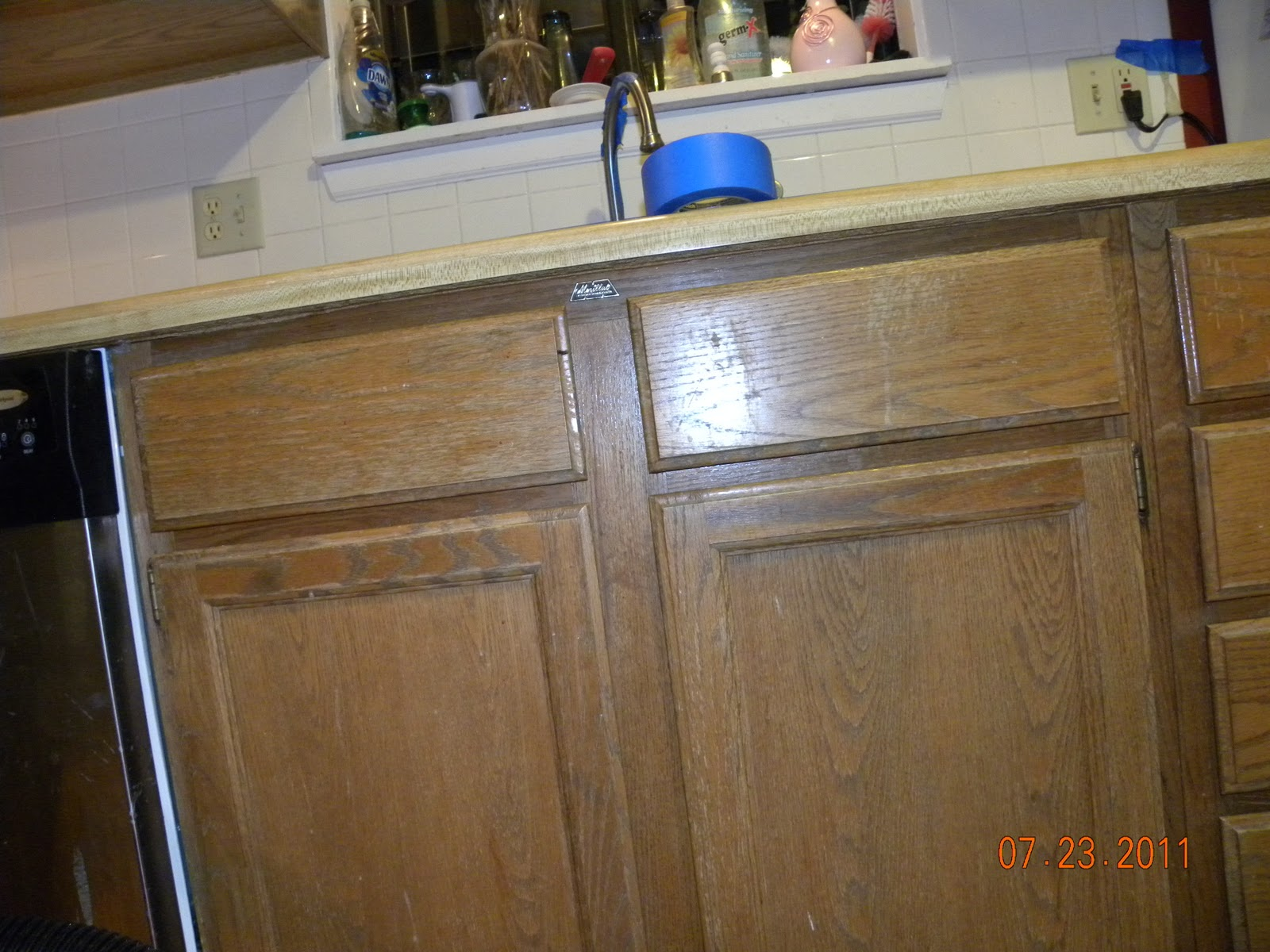 Rustoleum Countertop Paint On Wood : Tree Huggin Tipster: Rust-Oleum Countertop and Cabinet Transformations