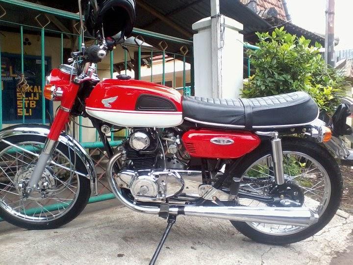 honda cb125 twin super sport 1971 classic and vintage motorcycles. Black Bedroom Furniture Sets. Home Design Ideas