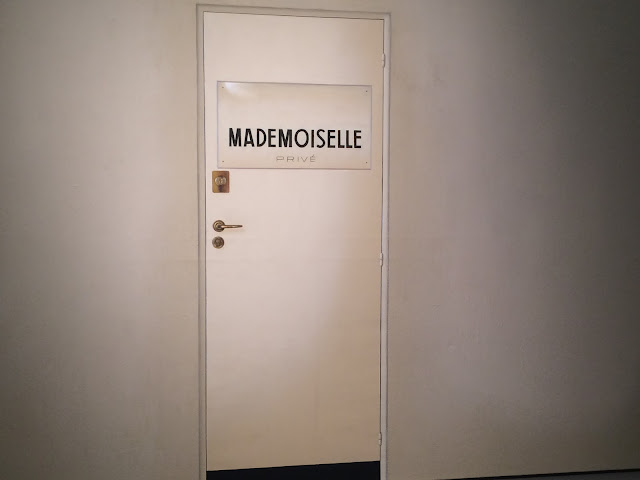 Mademoiselle Prive Door