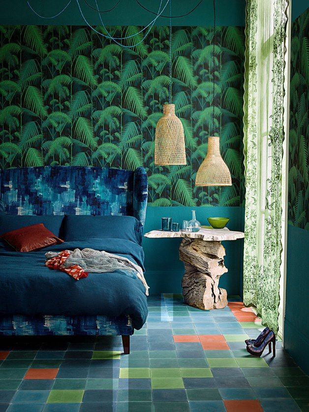 Home styling ana antunes palm leaves and palm jungle for Home wallpaper jungle
