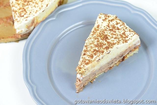 Deser z białej i ciemnej czekolady